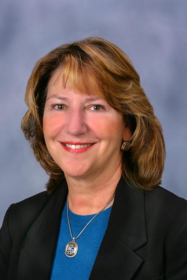 Julie Grinder Profile Pic